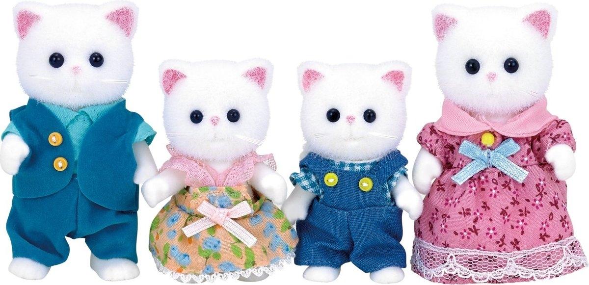 Игровой набор Sylvanian Families 3137 Семья персидских котов