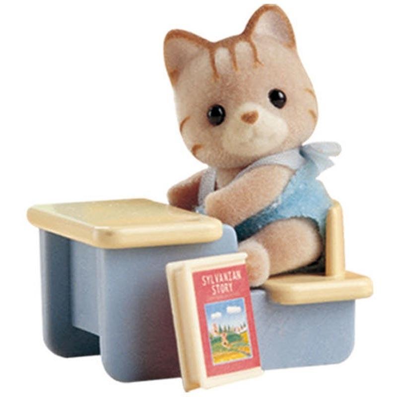 Игровой набор Sylvanian Families 3350 Младенец в пластиковом сундучке (котенок за партой)