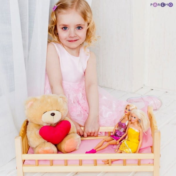 Классическая кроватка для кукол Paremo (розовый текстиль)