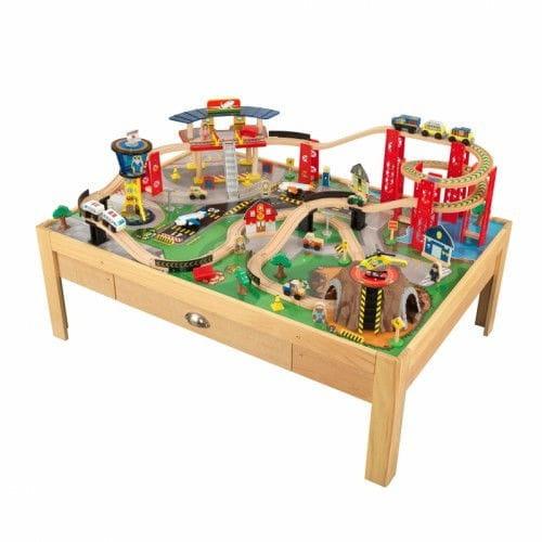 Купить Игровой набор для мальчиков Kidkraft Аэропорт Экспресс Airport Express Train Set And Table - бежевый в интернет магазине игрушек и детских товаров