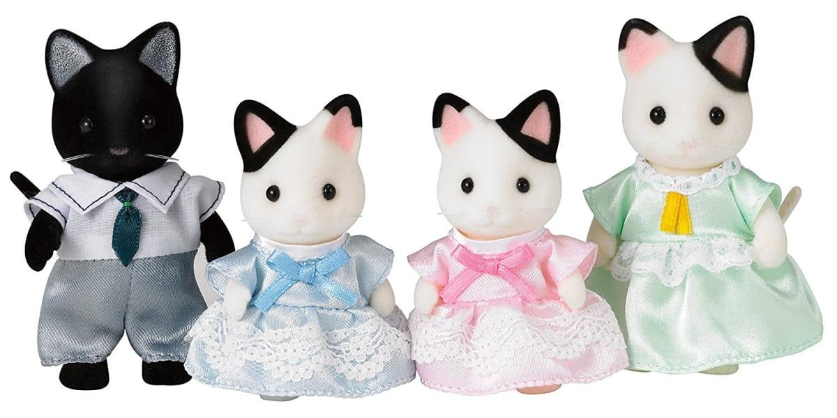 Игровой набор Sylvanian Families 5181 Семья черно-белых котов