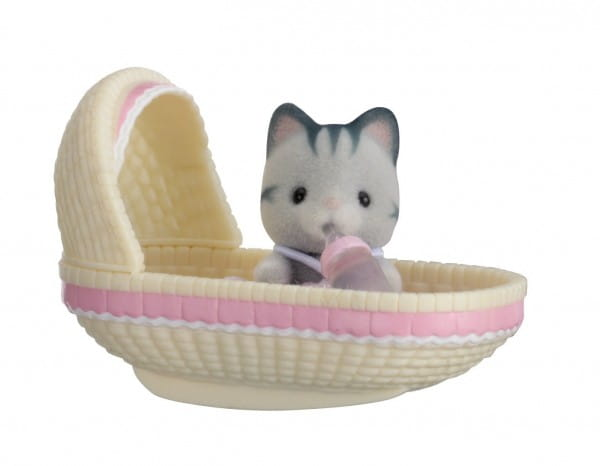 Игровой набор Sylvanian Families Младенец в пластиковом сундучке - котенок в люльке