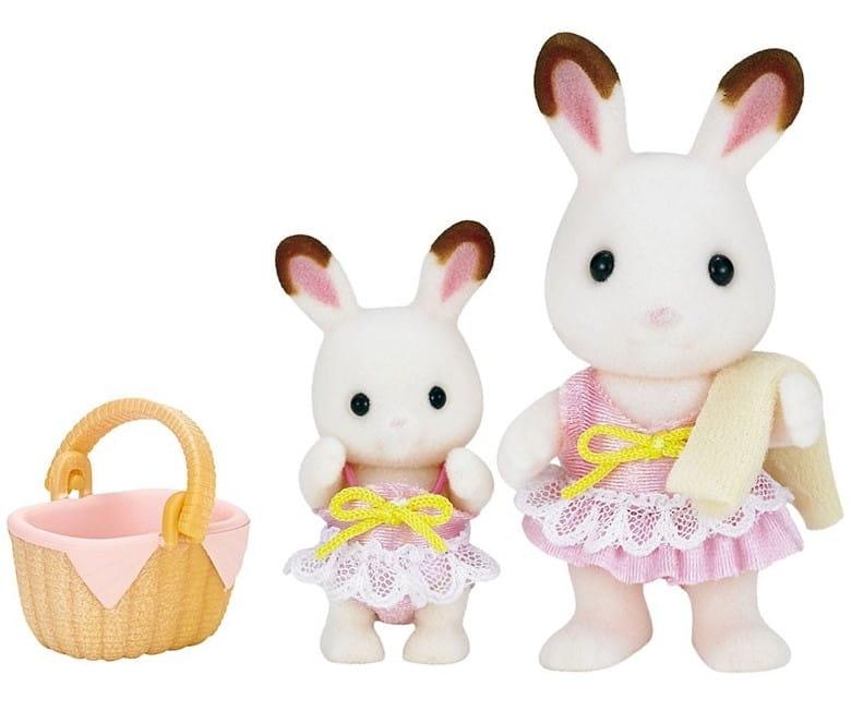 Игровой набор Sylvanian Families 5233 Кролики в купальных костюмах