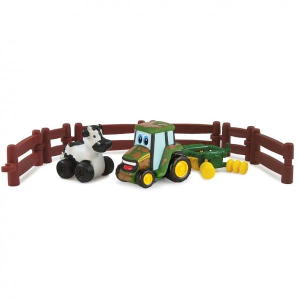 Игровой набор Tomy Farm Приключения трактора Джонни и коровы на ферме