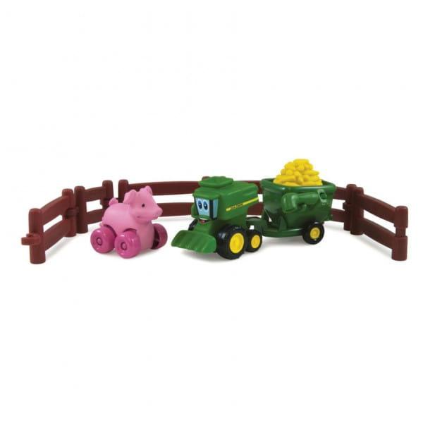 Игровой набор Tomy Farm Приключения трактора Джонни и поросенка на ферме