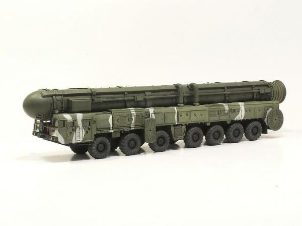 Сборная модель Звезда 5003з Российский РКСН Тополь