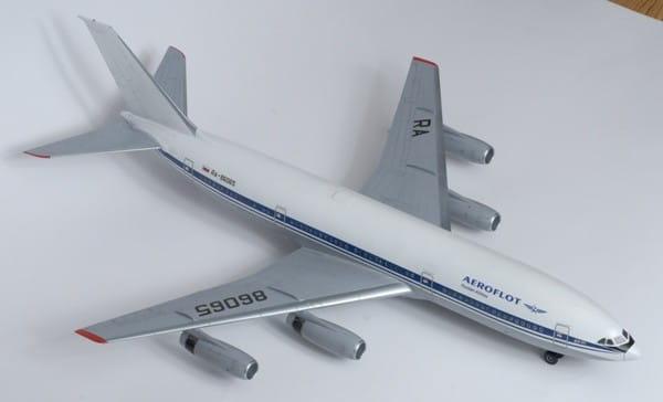 Подарочный набор Звезда 7001П Пассажирский Авиалайнер ИЛ-86