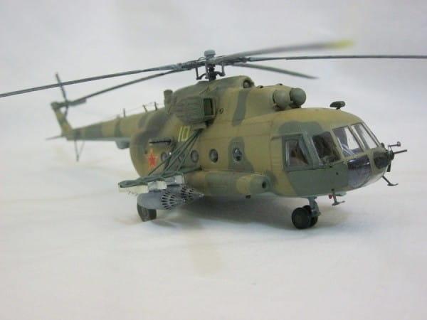 Подарочный набор Звезда 7230 Вертолет МИ-8