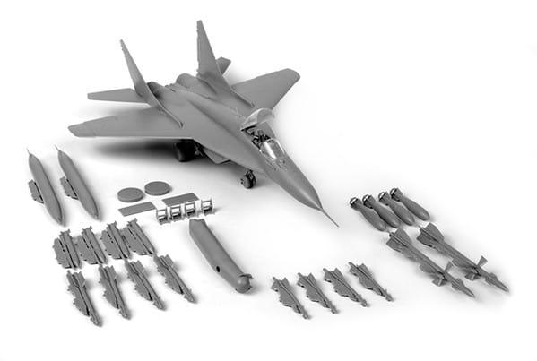 Сборная модель Звезда Российский истребитель МиГ-29 (9-13)