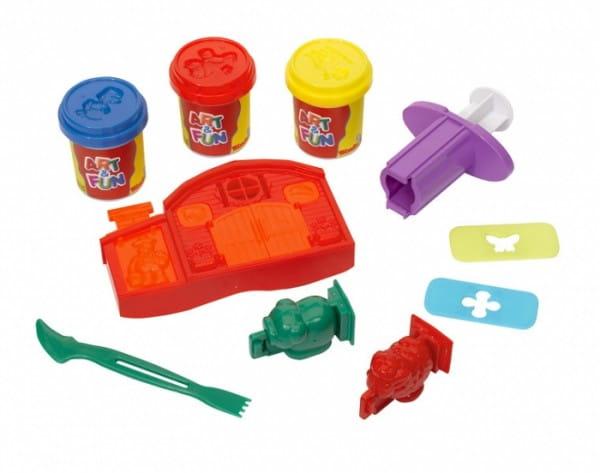 Набор для лепки Simba 6320187 с инструментами и формочками
