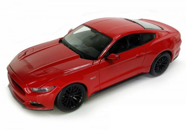 Машинка Welly Ford Mustang GT 1:24