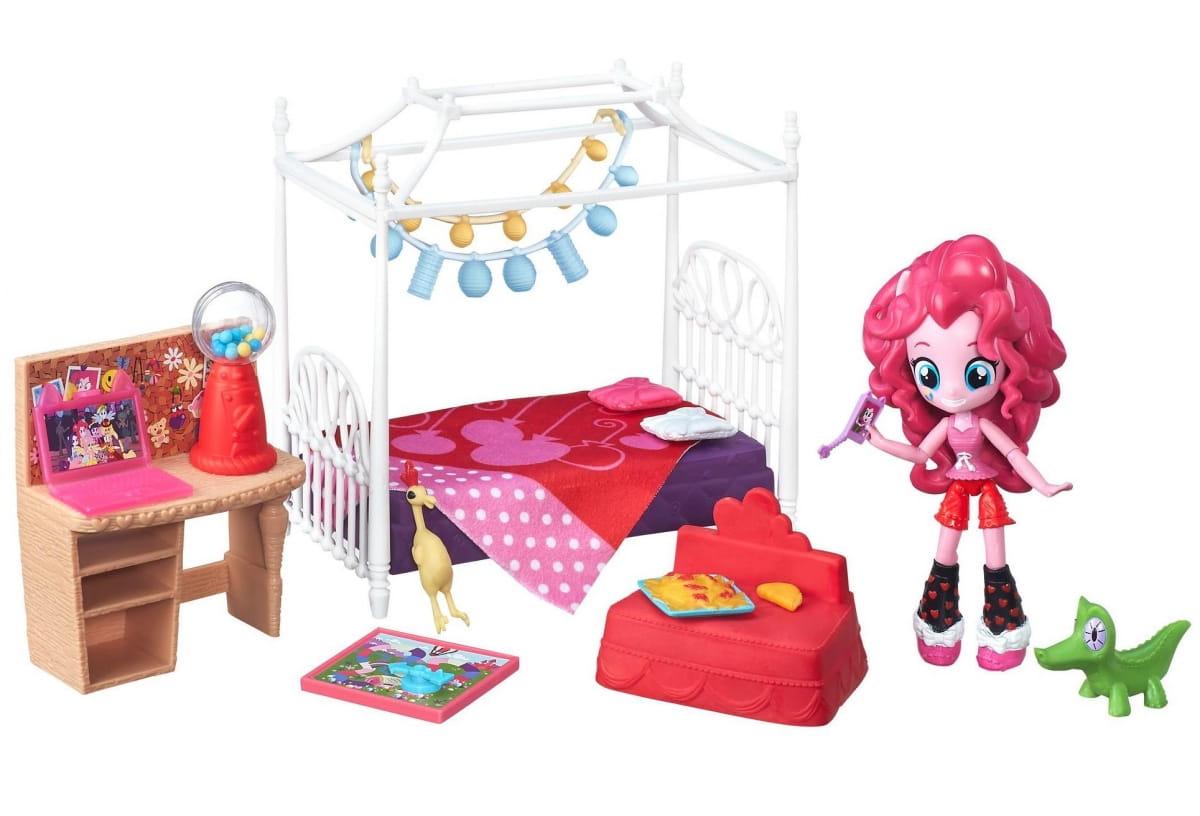 Игровой набор с мини-куклой My Little Pony Equestria Girls Пижамная вечеринка - Пинки Пай (HASBRO)