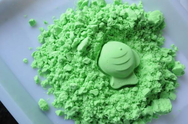 Космический песок SilverToys Зеленый - с аксессуарами (3 кг)