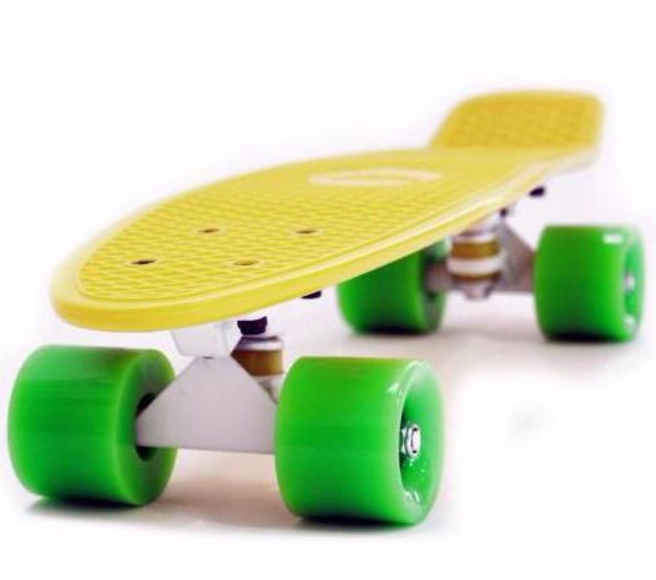 Скейтборд Hubster Cruiser 22 - желтый с зелеными колесами