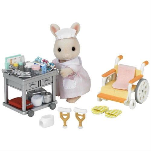 Купить Игровой набор Sylvanian Families Медсестра с аксессуарами в интернет магазине игрушек и детских товаров