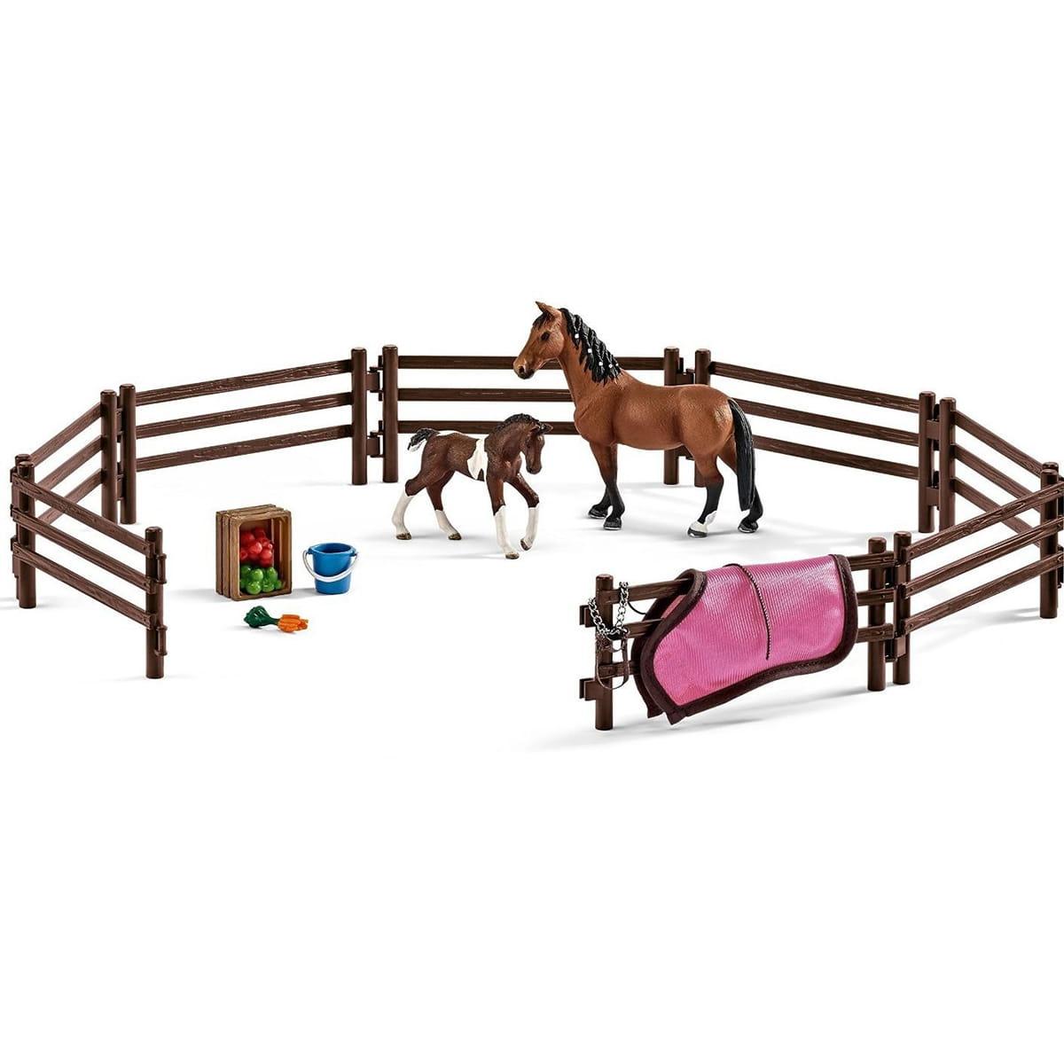 Игровой набор Schleich 42192 Загон с животными и аксессуарами