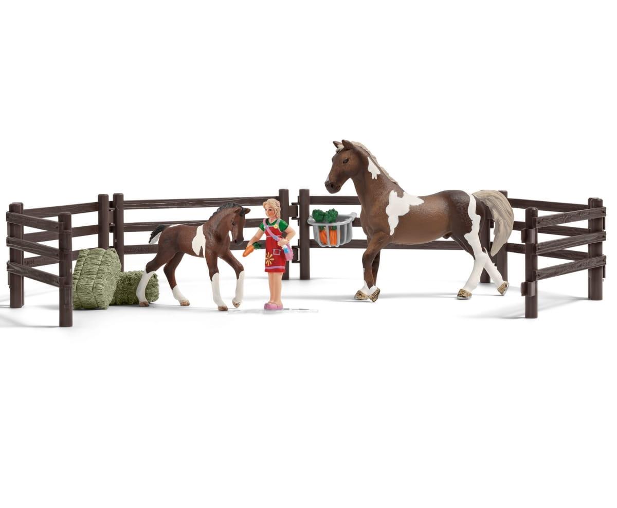 Игровой набор SCHLEICH Кормление лошадей - Фигурки животных