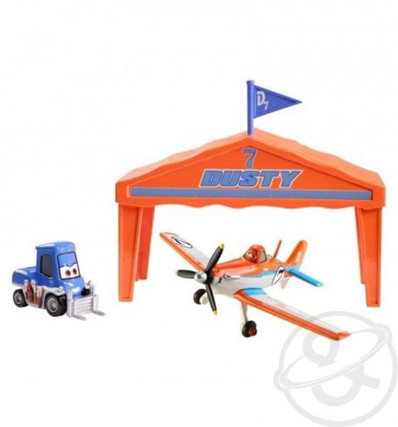 Купить Игровой набор Planes Дасти Dusty в ангаре (Mattel) в интернет магазине игрушек и детских товаров