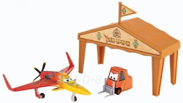 Купить Игровой набор Planes Ishani в ангаре (Mattel) в интернет магазине игрушек и детских товаров