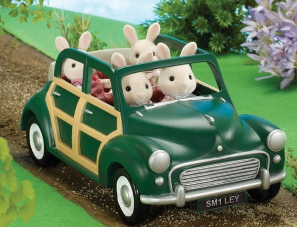 Купить Игровой набор Sylvanian Families Автомобиль в интернет магазине игрушек и детских товаров