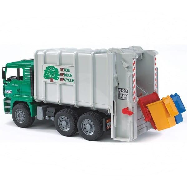 Купить Мусоровоз Bruder Man 1:16 (кузов - белый, кабина - зеленая) в интернет магазине игрушек и детских товаров