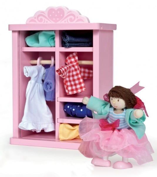 Купить Игровой набор Le Toy Van Гардероб с одеждой и куклой в интернет магазине игрушек и детских товаров