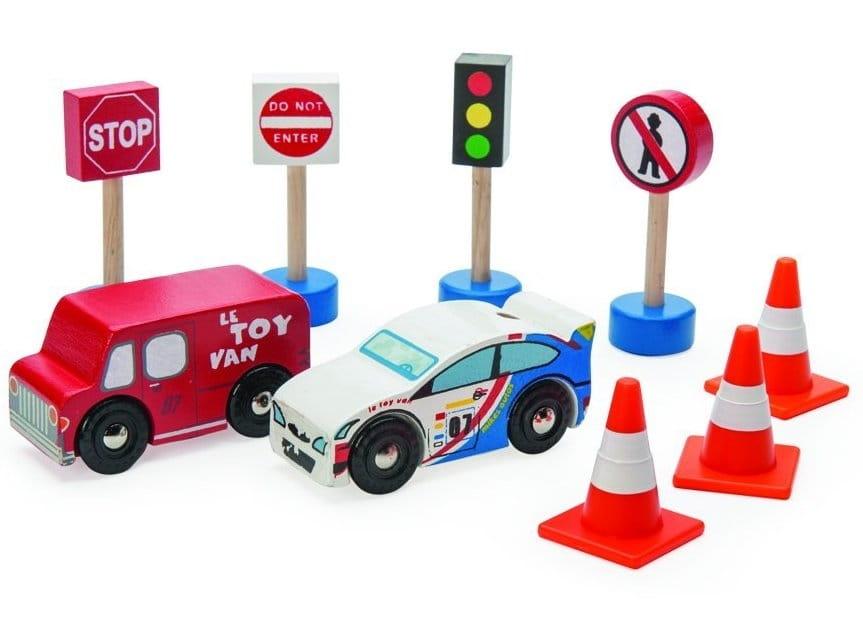 Игровой набор Le Toy Van TV382 Дорожные знаки с машинками