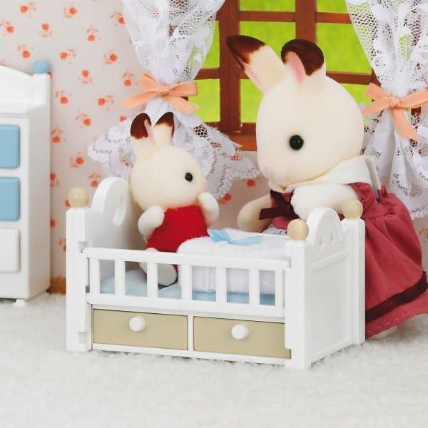 Игровой набор Sylvanian Families Малыш и детская кроватка