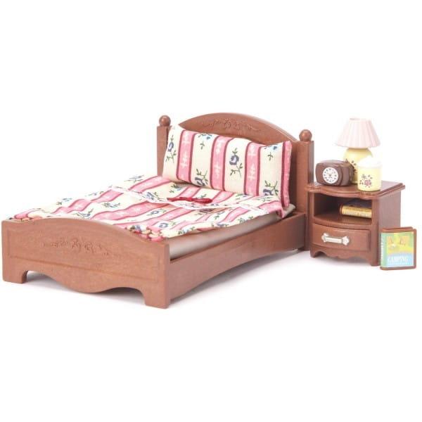 Игровой набор Sylvanian Families Большая кровать и тумбочка