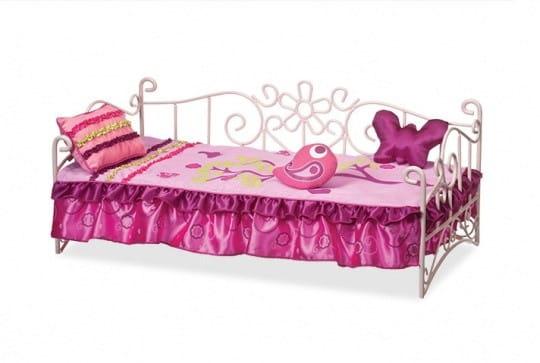 Купить Металлическая кровать для куклы Our Generation Dolls - 46 см в интернет магазине игрушек и детских товаров