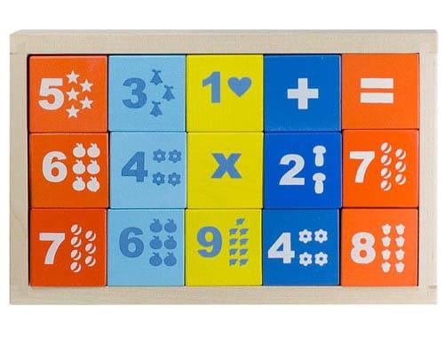 Деревянные окрашенные кубики Alatoys Математика - 15 штук