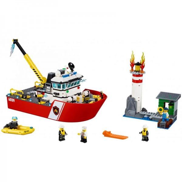 Купить Конструктор Lego City Лего Город Пожарный катер в интернет магазине игрушек и детских товаров