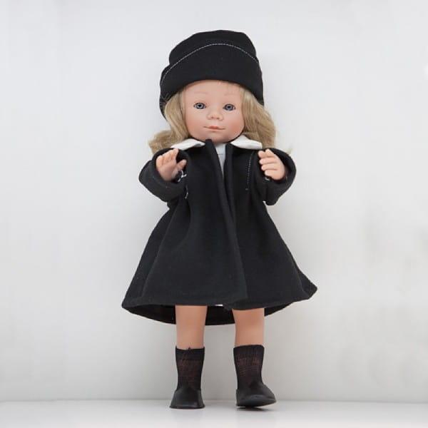 Кукла Carmen Gonzalez Мариэтта - 34 см (в белом платье и классическом пальто)